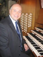 phil at organ